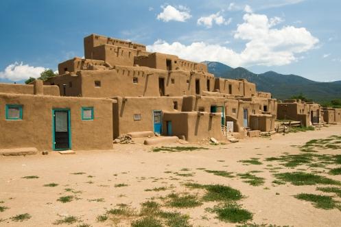 Taos_Pueblo_Luca_Galuzzi_2007
